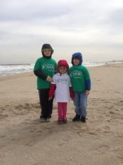 Cooper, Evelyn, and Sam Bilsland on the Jersey Shore